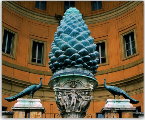 ob_3ae103_pomme-de-pin-pineale-vatican